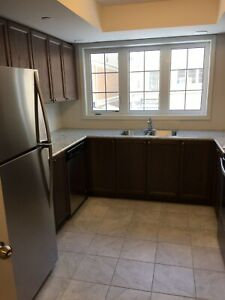 New 3 bedroom townhouse w/master bdrm for rent in North Oshawa