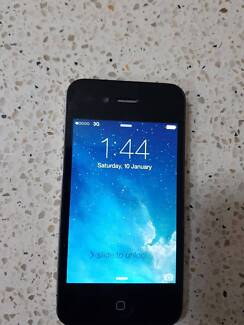 iPhone 4s Black 32GB Lady Owned good condition