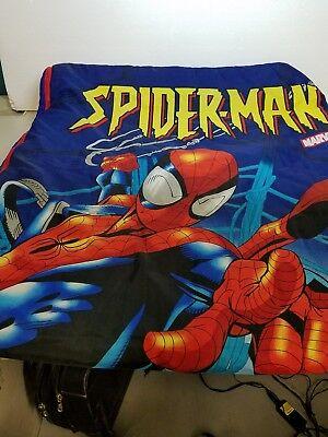 MARVEL / SPIDERMAN CHILD'S SLEEPING BAG WITH BAG/PILLOW (Spiderman Sleeping Bag With Pillow)