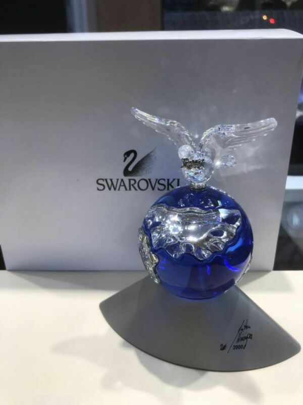 Swarovski Peace Globe World Crystal Bird Year 2000 Austrian Figuring