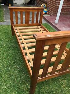 Single bed - timber Pascoe Vale Moreland Area Preview