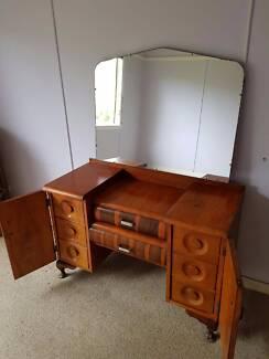 1950s dresser