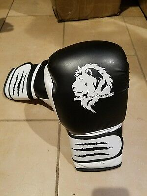 Custom made 16oz training or sparring boxing gloves