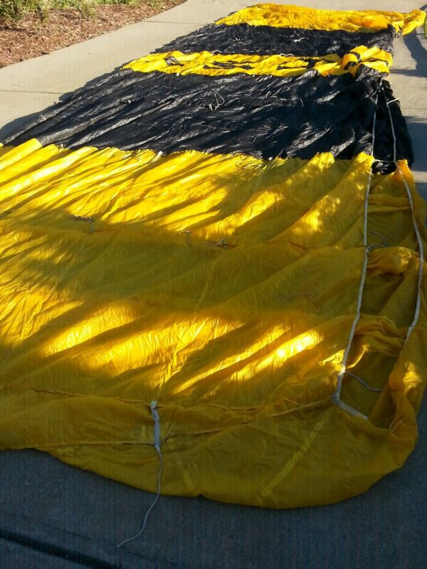 Us ArmyGolden Knight Performance Design Parachute rare 450 lbs