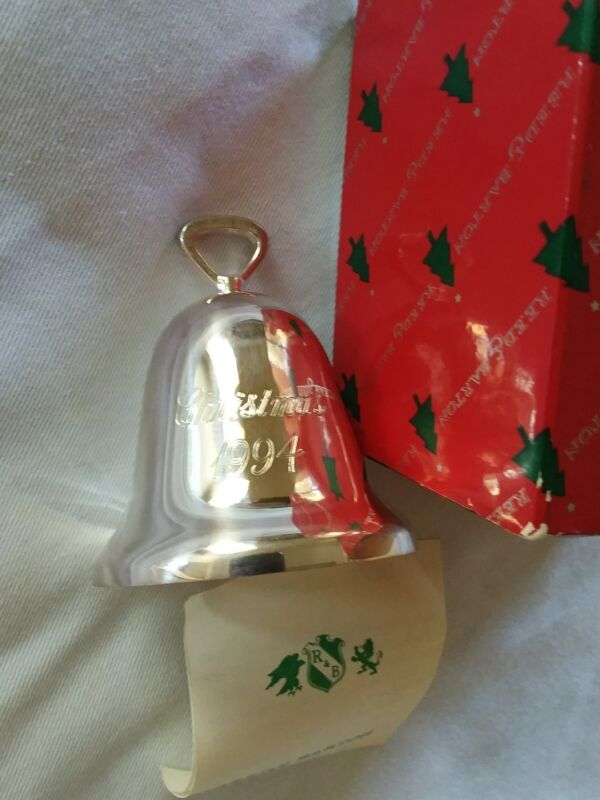 REED & BARTON SILVER PLATED 1994 CHRISTMAS BELL ORNAMENT W/ BOX