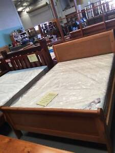 *CLEARANCE* $199 SLEIGHT DOUBLE BED
