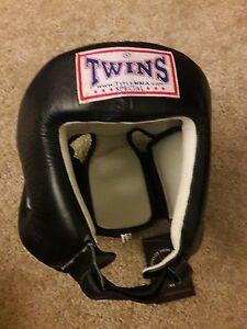 TWINS  Specials Head Gear HGL-4, Muay Thai