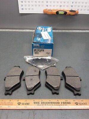 New Bendix MKD659FM Brake Pads. 95-99 Ford Crown Victoria Lincoln Town - Crown Victoria Bendix Brake
