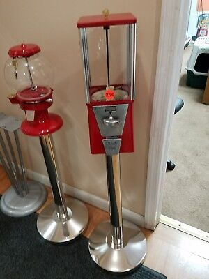 Wholesale 10 Restored Oak Gumball Machines And 10 Brand New Polished Ss Stand