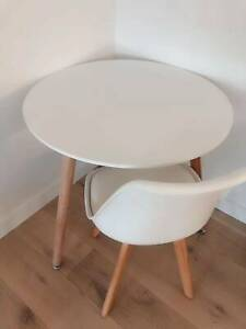 Special!! Brand New White Replica Round Dining Table (⌀80cm)