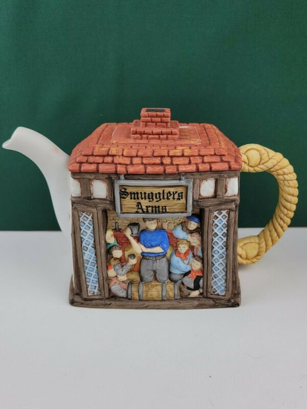 Sandra Rich Made in England - Cottage Teapot - Smugglers Arms - RARE FIND