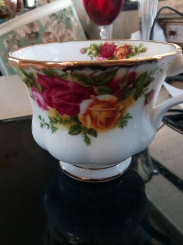 Royal Albert Old Country Roses 3 Piece Cup Saucer Luncheon Set
