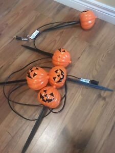 Halloween Decorate your lawn Jack-o-lanters