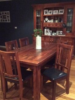 Locally Handcrafted Brandy Creek 7 pce Dining Table and Chairs