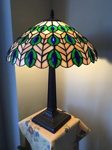 "Brand new 16"" Tiffany inspired lamp in Peacock design"