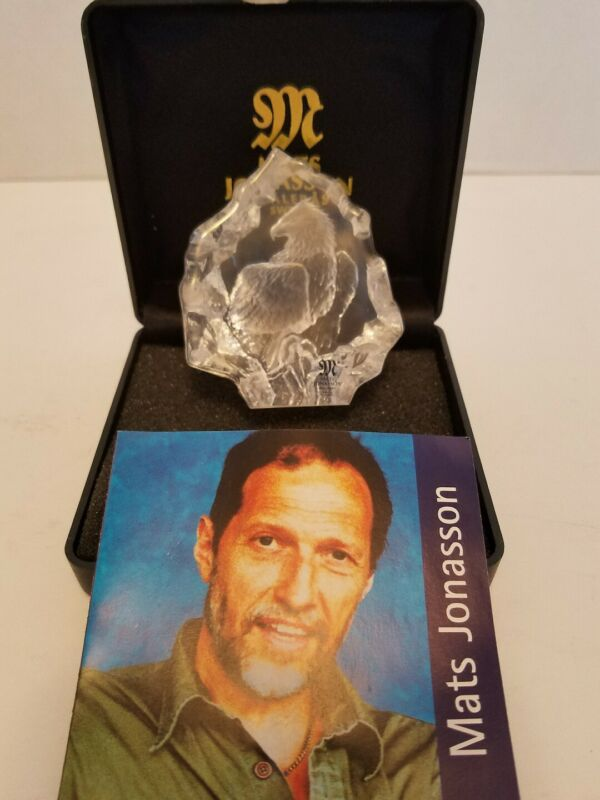 """Mats Jonasson Full Lead Crystal """"Eagle"""" Paperweight New in Box store liquidation"""