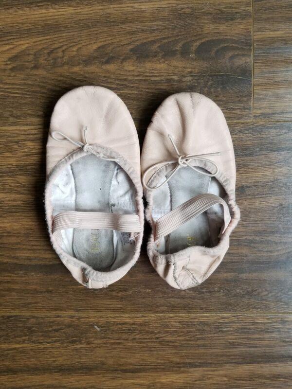Size 10.5 Bloch Pink Ballet Dance Girl Shoes