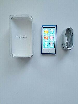 Apple iPod nano 7th Generation Blue (16 GB) Bundle