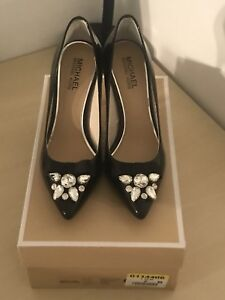 MK Women Shoes Size 7 For Sale