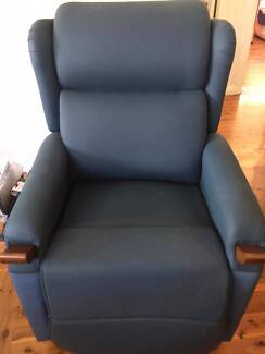 air comfort electric lift chair. pride effortless air lift aged care chair - never used! comfort electric f