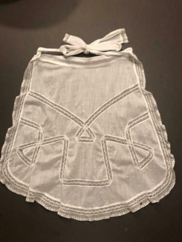 Antique Vintage Childs Wide Bow Linen Apron / Lace Throughout / Detailed Bow