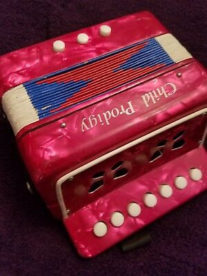 child prodigy Accordion /red pearlescent /