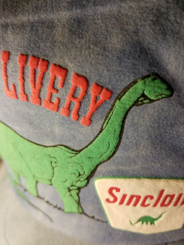 DINO OIL NEW🦕RaRe WALL DRUG LIVERY mesh trucker snap gas hat Sinclair dinosaur