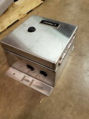 Dudlik Turn Latch Stainless Steel Junction Box - With Terminal Block 8x8x5