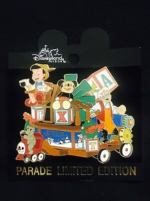 Disney DLR Disneyland Christmas Parade Pinocchio Toy Shop Float Pin 8487 LE3600](Christmas Parade Floats)