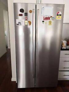 Westinghouse side by side fridge 620L
