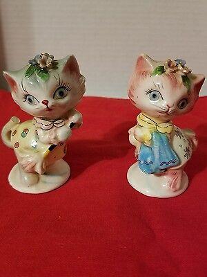 1950's VINTAGE FANCY CATS porcelain salt & pepper shakers MADE IN JAPAN