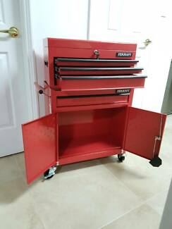 TOOL CABINET WITH DRAWERS ON WHEELS