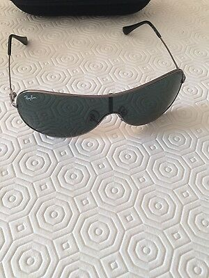 Authentic Ray Ban sunglasses youth new with ray ban bag not in (Boys In Ray Bans)