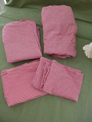 Gingham Flat Sheet (Twin COTTON Sheet Set RedWhite Gingham  4 pc Fitted Flat 2 pillowcases.. EUC )