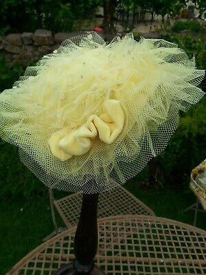 Vintage 1950s lemon velvet and spotted tulle ladies Hat