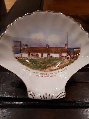 Royal Winton. John O' Groats trinket shell.