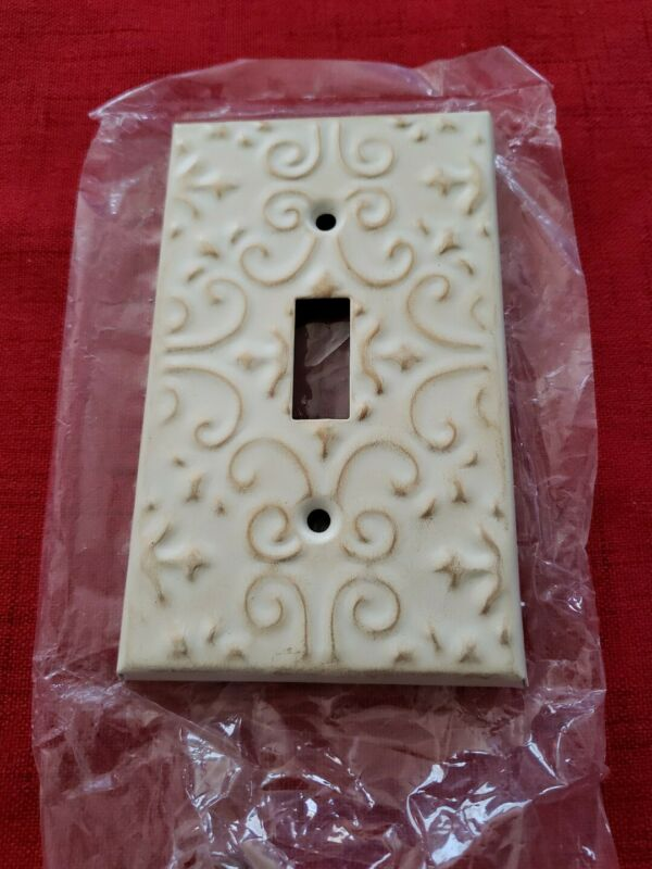 Vintage Single Gang Toggle Light Switch Wall Plate Cover, Victorian Style - NOS