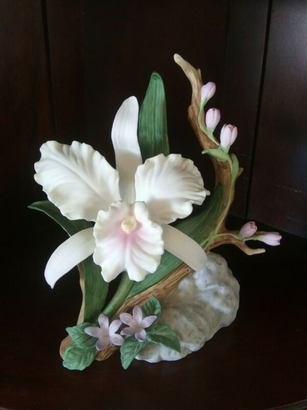 CATTLEYA ORCHID Homco Masterpiece China Figurine 11862 Mary