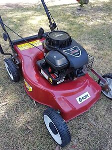 Lawn mower Gosnells Gosnells Area Preview