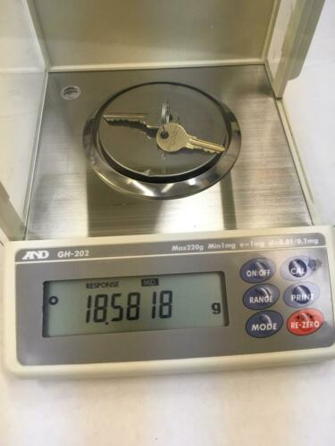 A&D GH-202 Analytical Lab Balance Scale