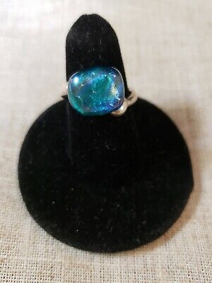 sterling silver dichoric glass ring size 6 measures 1/2