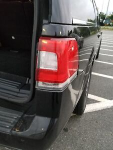 2015 Lincoln navigator L Tail light passenger side