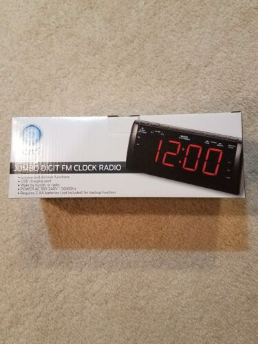 Onn Jumbo Digit 1.8 inch FM Clock + Radio + USB Charging Port NEW