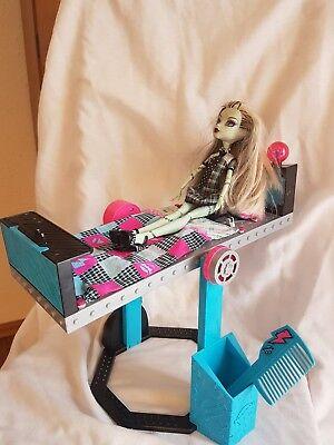 Monster high Frankie stein Spiegelbett incl.Puppe Frankie - Monster High Frankie Bett