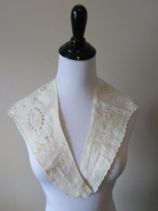 Antique Edwardian Embroidered Eyelet Collar