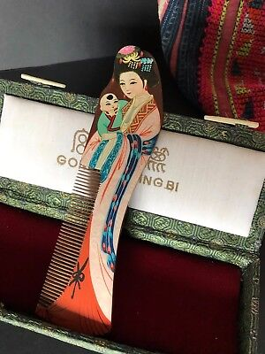 Old Chinese Hand Painted Wooden Comb in Presentation Box …beautiful collection..