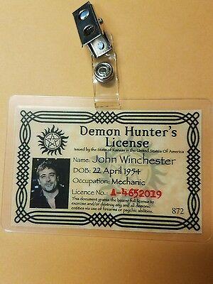 Supernatural Id Badge-Demon Hunter Lizenzierte John Winchester Kostüm - Demon Hunter Kostüm