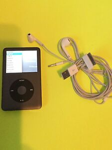 ⭐️⭐️iPod classic 5th gen 160 gig asking $240 tax included