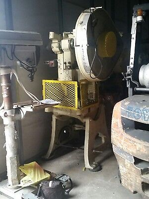 Vo 30 Ton Obi Press Brake Model 25s