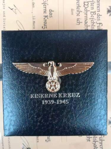 WWII German Eagle Badge with collection Box High quality
